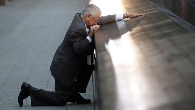 finding his sons name at 911 memorial